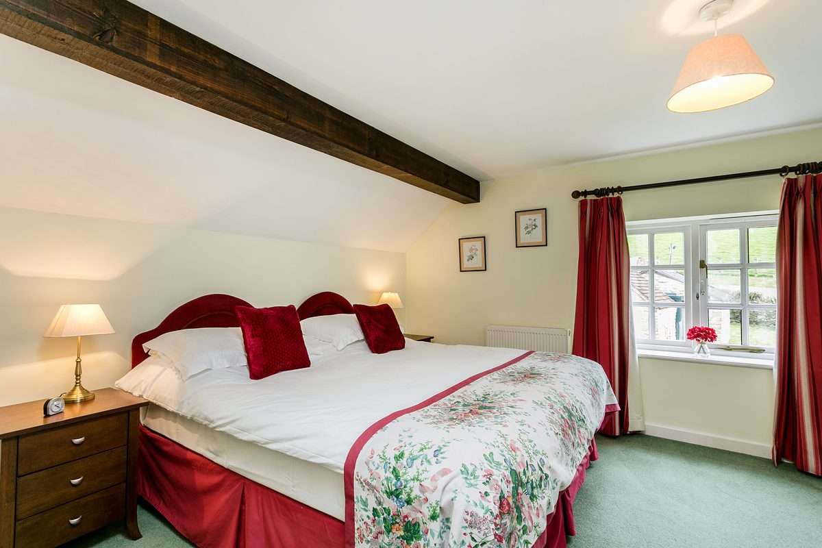 Double bedroom in Dorset Cottage